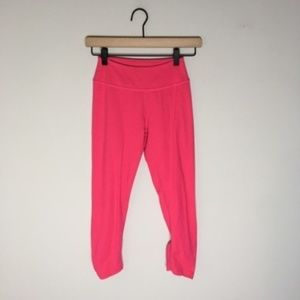 Beyond Yoga pink Cinched Hem Cropped Leggings